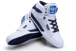 adidas Attitude Vulc ST in navy & weiß