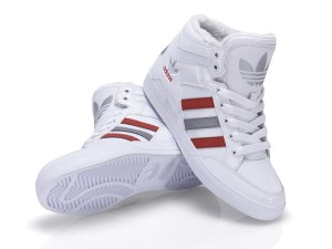 Hard Court adidas weiß Mohnrot Foot Locker