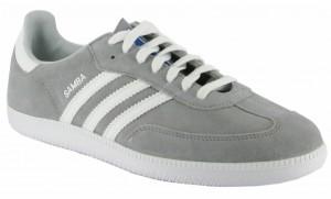 Der Adidas Samba in der Farbkombination Aluminium White