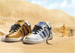 Ein niedriger geschnittener adidas Top Ten für C3PO und R2D2