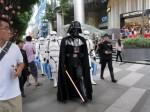Darth Vader & Storm Trooper im Rahmen der Adidas Originals Launch Tour in Singapur