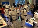 Storm Trooper in der Freizeit: Shoppen im Adidas Store