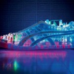 "Bild der Onitsuka Tiger ""Electric Light"" Skulptur"