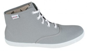 Der neue, knöchelhohe Victoria Mid Sneaker in light grey