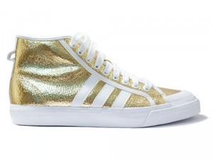 Der Nizza Hi Gold Crackle Sneaker von Adidas