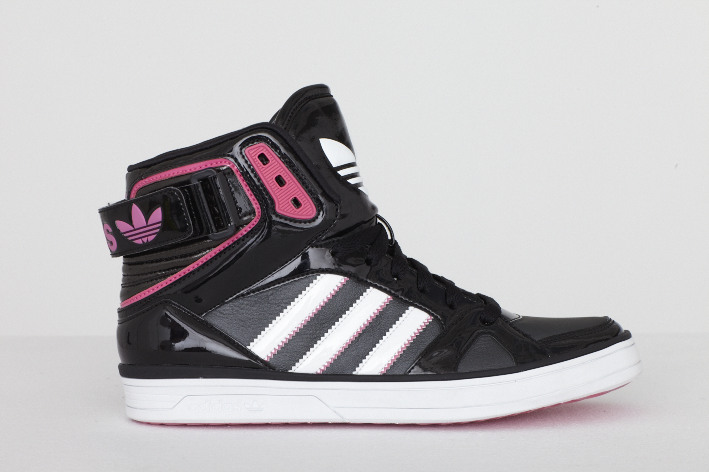 adidas Space Diver: Der High Top Sneaker für Damen