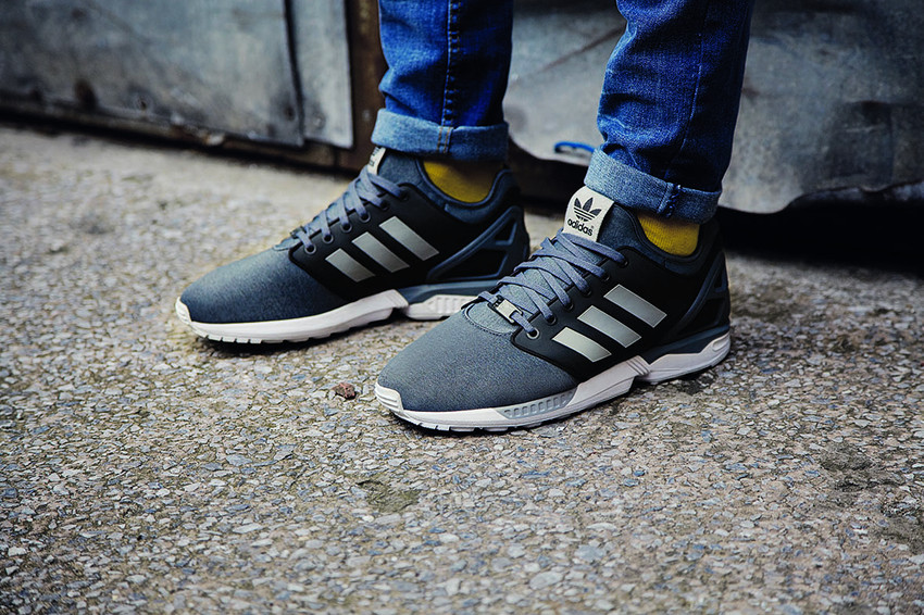 foot locker x adidas ZX flux grau