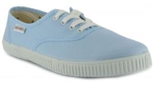 Der Victoria Celeste Sneaker in Light Blue